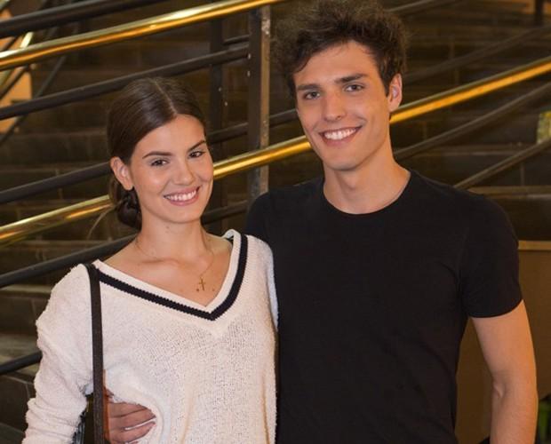 Camila Queiroz revela o que gosta de fazer com o namorado: 'Piquenique, cinema e jantar' (Foto: Felipe Monteiro/Gshow)