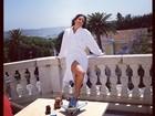Ivete Sangalo mostra seus pernões em hotel de Lisboa