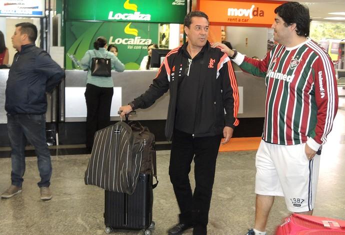 Luxemburgo no desembarque do Flamengo (Foto: Cahê Mota)