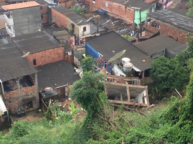 Prédio de três andares caiu em Candeias neste sábado (27) (Foto: Divulgação/ Prefeitura de Candeias)
