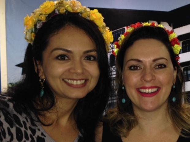 Tiaras de flores são sucesso entre o público feminino na Oktoberfest de Blumenau (Foto: Marcia Callegaro/G1)