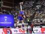 Saque sérvio faz estragos, Brasil leva virada e perde a 1ª na Liga Mundial