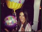 Alessandra Ambrósio comemora seus 32 anos