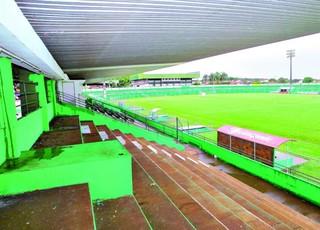 Estádio Mozart Veloso do Carmo, em Rio Verde (Foto: Marcello Dantas/O Popular)