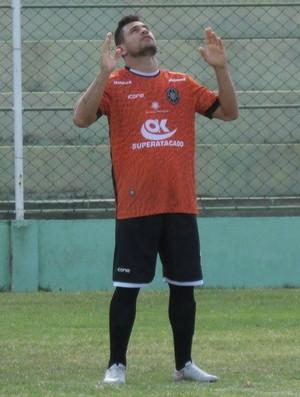 Cleiton Gladiador, atacante do Rio Branco-ES (Foto: Deysiane Gagno/Rio Branco AC)