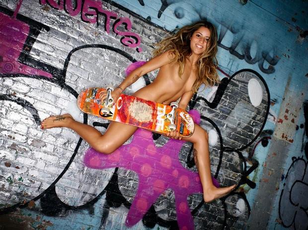 Leticia Bufoni nua em ensaio sensual para a revista ESPN (Foto: reprodução)
