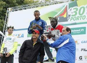 maratona de porto alegre 2013 quenianos (Foto: Diego Guichard/Globoesporte.com)