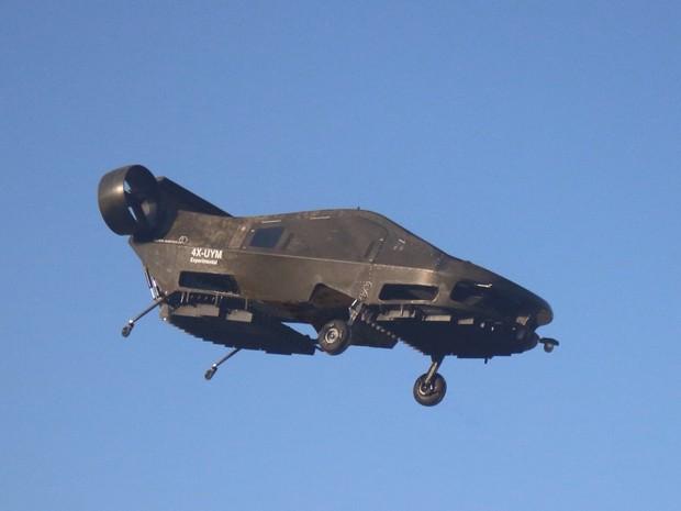 Carro voador Cormorant desenvolvido pela empresa israelsense Urban Aeronautics (Foto: Urban Aeronautics/Tactical Robotics via AP)