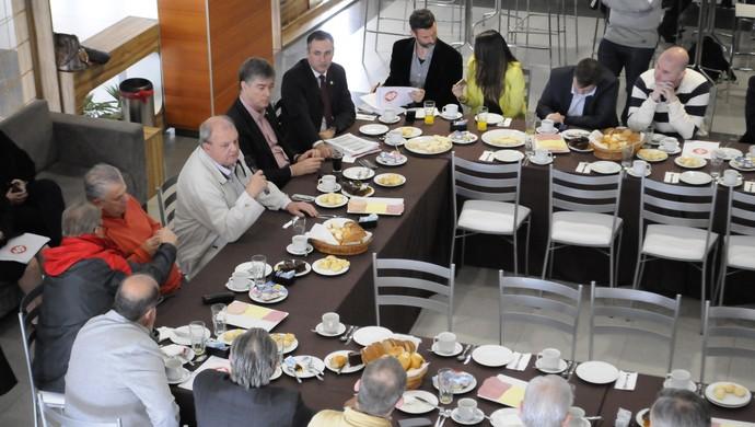 presidente inter internacional vitorio piffero (Foto: Divulgação / Internacional)