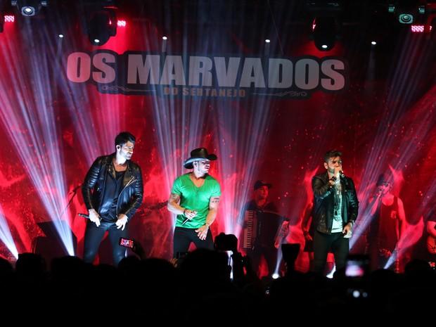 Rodrigão, Bruno Araújo e João Gabriel em show em São Paulo (Foto: Thiago Duran/ Ag. News)