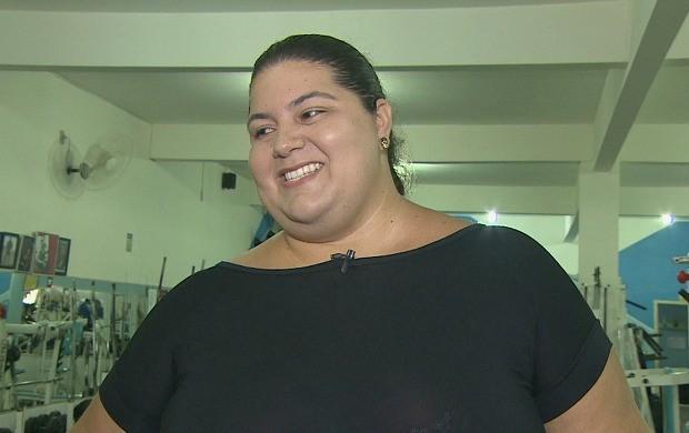 RAfael perdeu 20 kg e sonha em ser mãe (Foto: Globo Esporte)