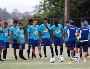Marcelo Oliveira comanda treino na Toca da Raposa II (Foto: Washington Alves / Vipcomm)