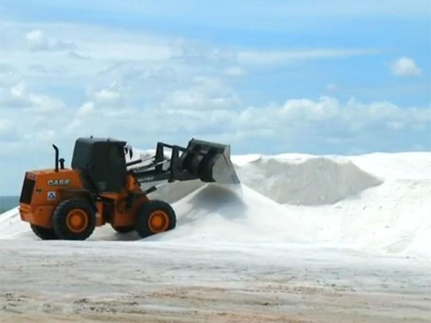 RN exporta 400 mil toneladas de sal por ano. (Foto: Reprodução/Inter TV Cabugi)