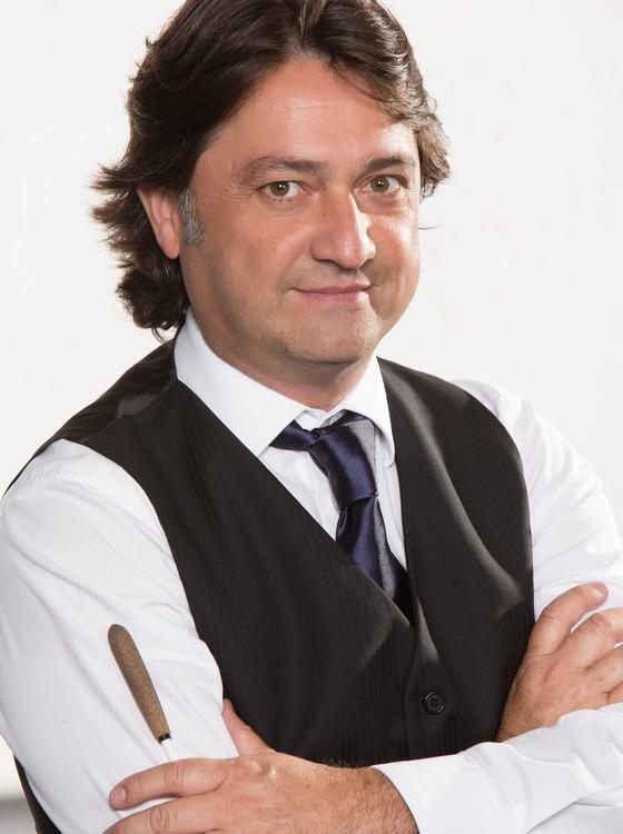 O maestro Renato Misiuk trará um breve ao Brasil um show em homenagem ao grupo irlandês U2 (Foto: Divulgação)