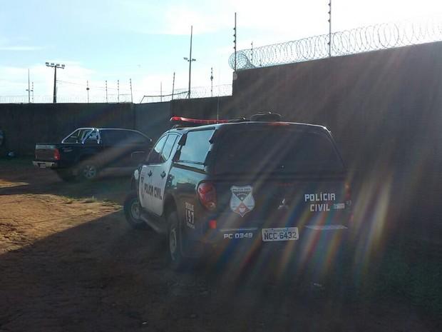 Policias cumprem mandado em casa de Marcos Donadon (Foto: PC Divulgação/ Divulgação)