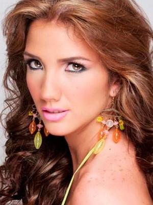 A modelo e estudante venezuelana Génesis Carmona. Miss na Venezuela, Génesis foi morta durante protestos antigoverno (Foto: EFE/EL CARABOBEÑO)