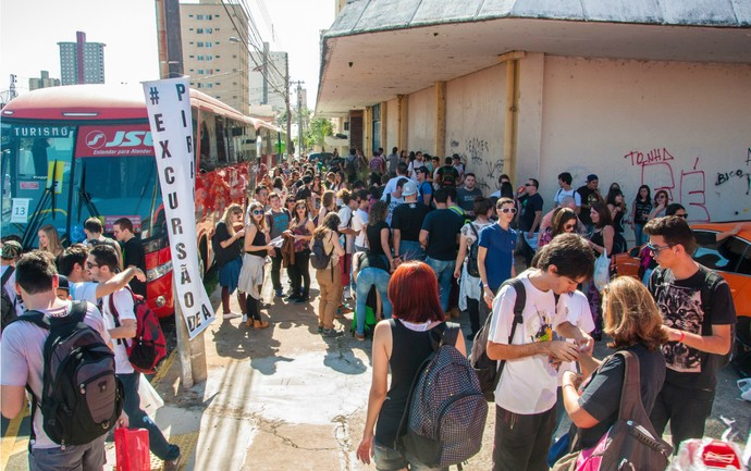 Fãs de Piracicaba seguiram em 18 ônibus para curtir o Festival João Rock (Foto: Hélio Graça)