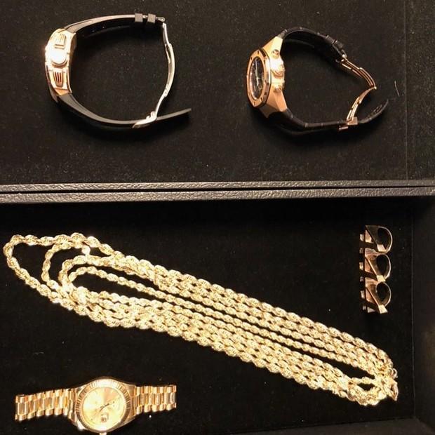 Joias e relógios de JAY-Z (Foto: reprodução/instagram)
