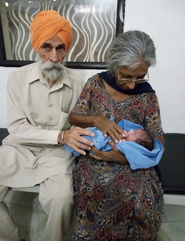 Daljinder Kaur deu à luz após dois anos de tratamento de fertilização (Foto: NATIONAL FERTILITY CENTRE/AFP)