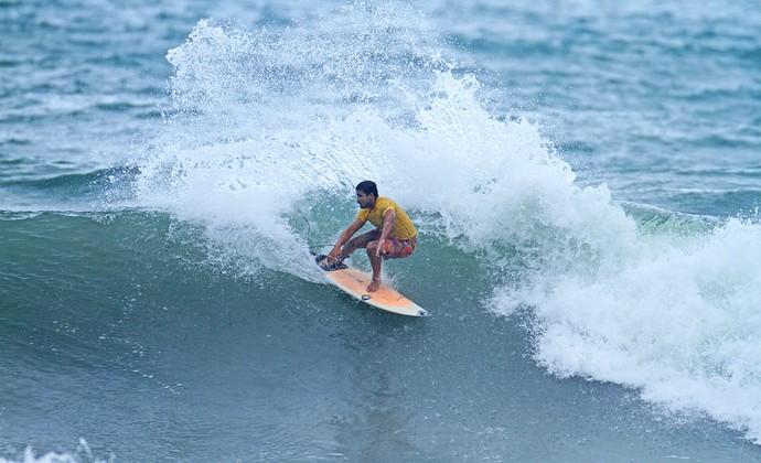 Marco Aurélio surfe Maresia Paulista (Foto: Renato Boulos/Divulgação)