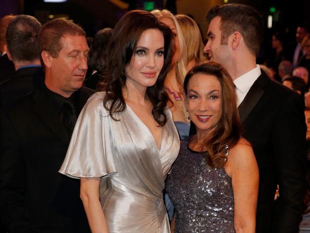 Angelina Jolie em premiação em Los Angeles, nos Estados Unidos (Foto: Joe Scarnici/ Getty Images/ AFP)