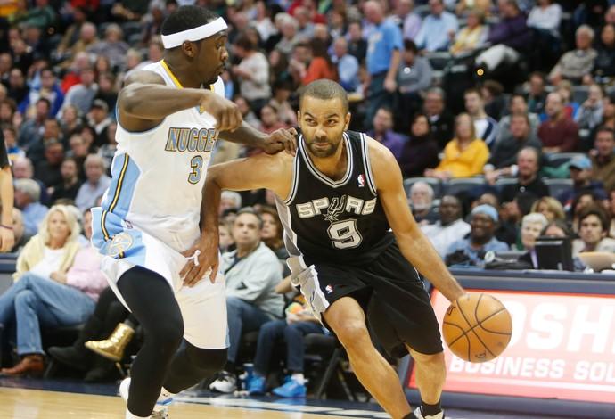 Ty Lawson e Tony Parker; Nuggets x Spurs (Foto: Reuters)