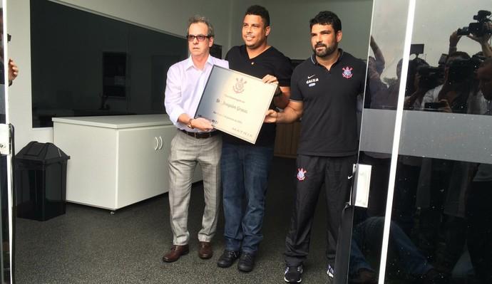 Ronaldo inauguração lab corinthians r9 (Foto: Carlos Augusto Ferrari/GloboEsporte.com)