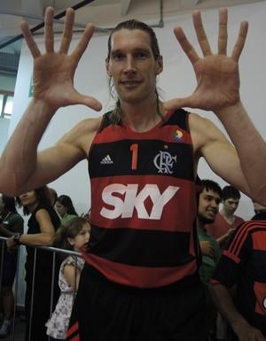 Walter Herrmann Flamengo basquete NBB mãos (Foto: David Abramvezt)