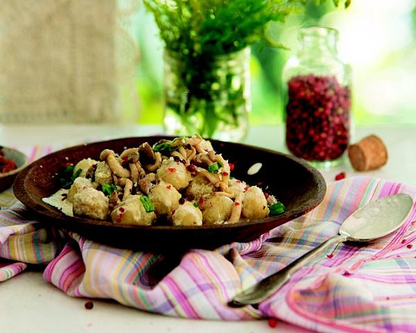 Nhoque de batata-doce com molho de castanhas e cogumelos (Foto: Divulgação)
