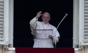 Papa pede que as partes se sentem a negociar sobre a Síria