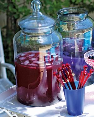 Soda de lavanda e borago (Foto: Rogério Voltan/Casa e Comida)