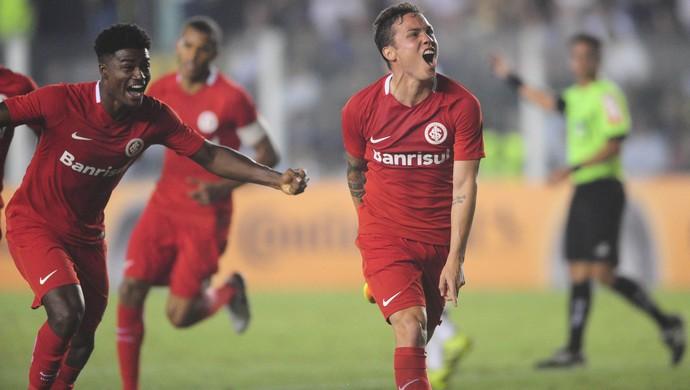 Seijas comemora gol contra o Santos (Foto: Ricardo Duarte / Inter, DVG)