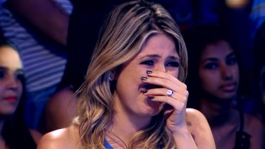 Dani Calabresa chora e vira princesa em homenagem no 'Tamanho Família'