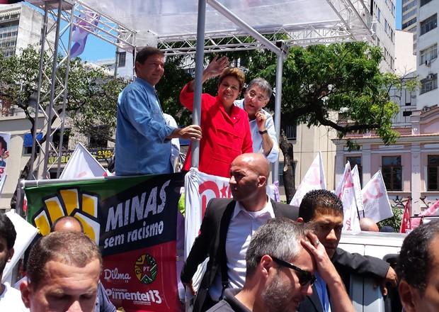 A candidata do PT, Dilma Rousseff, faz carreata em Belo Horizonte (Foto: Raquel Freitas/G1)