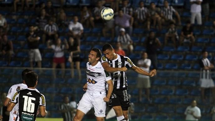 Arthur, atacante, Ceará (Foto: Christian Barros/Cearasc.com)