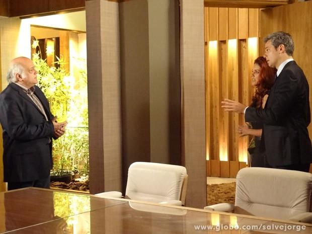 Garcez surpreende e conta tudo para Haroldo (Foto: Salve Jorge/TV Globo)