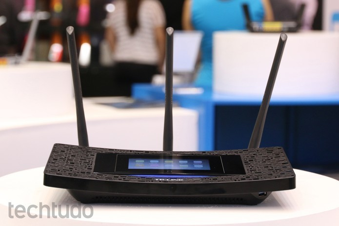 Roteador encaminha pacotes de dados entre redes (Foto: Nicolly Vimercate/TechTudo)