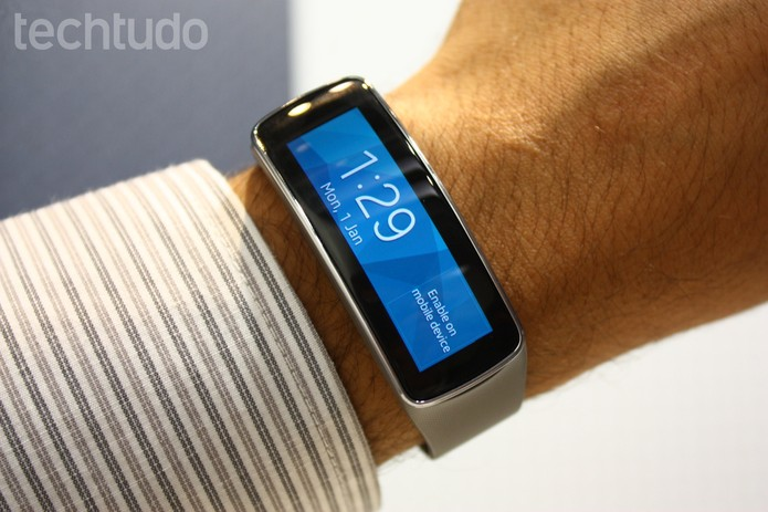 Samsung Gear e Fit (Foto: Allan Melo/TechTudo)