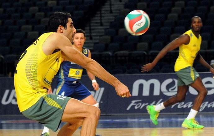 Douglas Souza seleção vôlei (Foto: Divulgação)