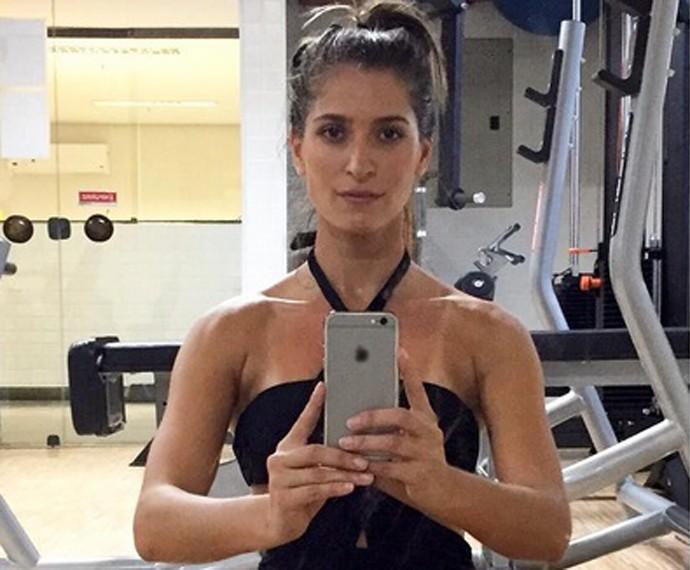 Maria Joana afirma que faz exercícios e dieta para depois se dar ao luxo de comer 'besteiras' preferidas (Foto: Arquivo Pessoal)
