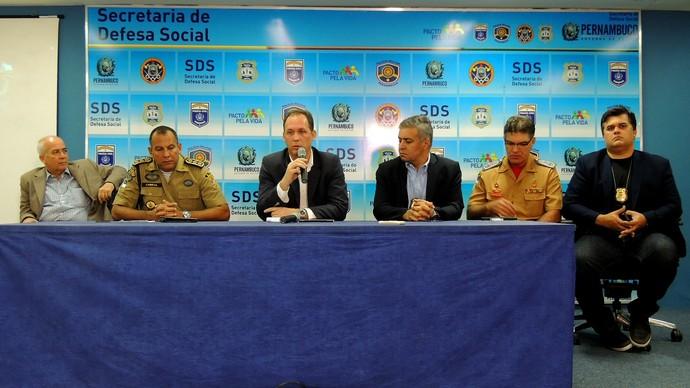 coletiva secretaria defesa social morte torcedor arruda (Foto: Elton de Castro)