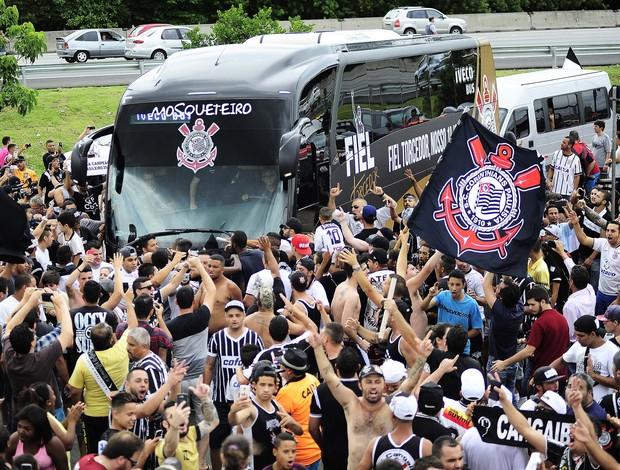 Corinthians festa ônibus