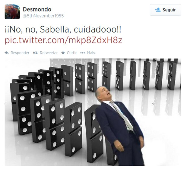 Sabella se desequilibrou e quase caiu em partida da Argentina pelas quartas de final (Foto: Reprodução/Twitter)