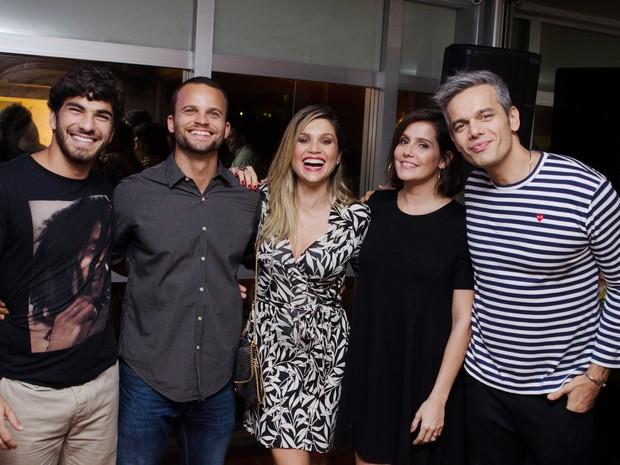 Hugo Moura, Rafael Lund, Flávia Alessandra, Deborah Secco e Otaviano Costa em evento na Zona Oeste do Rio (Foto: Guilherme Taboada/ Divulgação)