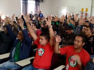 Após um mês em greve, operários da Chery retomam atividades em Jacareí (Foto: Wanderson Borges/TV Vanguarda)