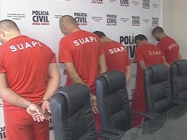apresenta quadrilha roubo de gados Ituiutaba Polícia Civil (Foto: Reprodução/ TV Integração)