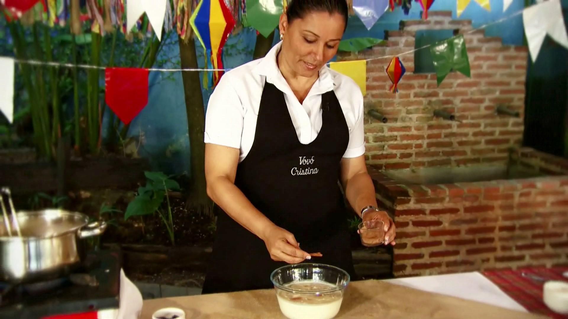 Vovó Cristina ensina como preparar um delicioso arroz doce (Foto: Rede Amazônica/AVG)