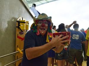 Torcedor fantasiado durante a Copa das Confederações de 2013, no Maracanã (Foto: Alexandre Macieira/Riotur)