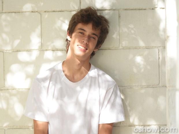 Guilherme Hamacek será João, menino instrospectivo vidrado em games (Foto: Raphael Dias / TV Globo)
