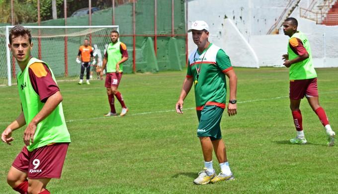 Ney da Matta treino Boa Esporte (Foto: Régis Melo)